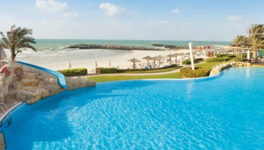 Пляж Coral Beach Resort Sharjah