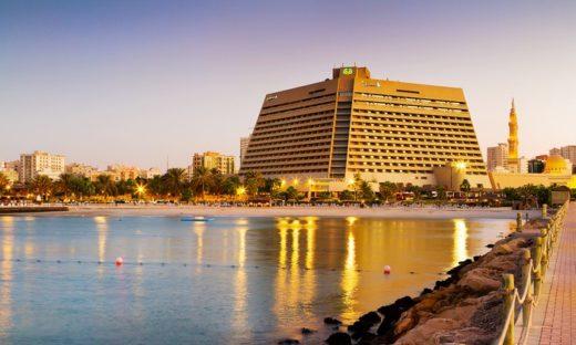 Пляж Radisson Blu Resort Sharjah