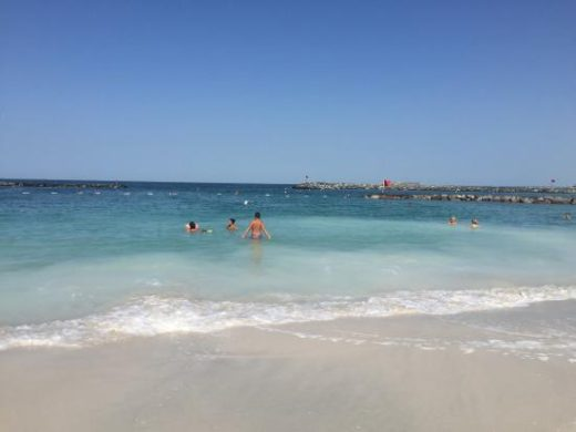 Пляж Аш-Шарика в Шардже