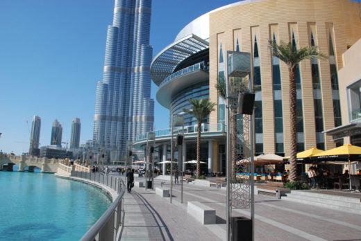 Куда поехать на шоппинг: в Шарджу или Дубай