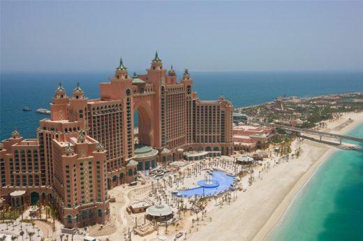 Где лучше пляжи: в Шардже или Дубае