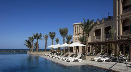 sheraton-sharjah-beach-resort-spa-3